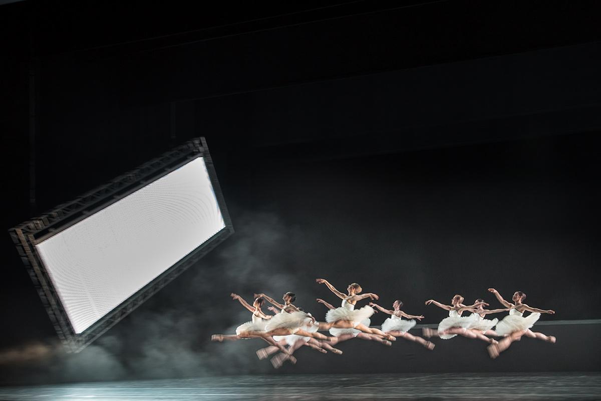 """Der dritte Akt """"Tyll"""" - mit viel Ironie bezieht sich Ekman auf das klassische Ballett."""
