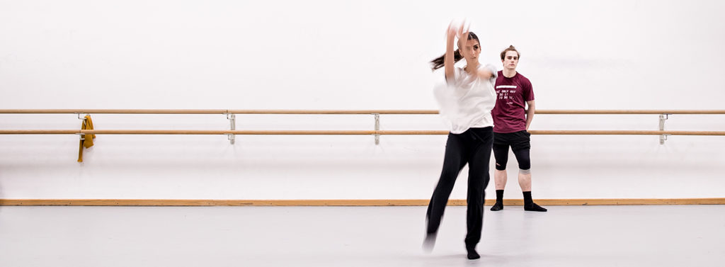 """Proben im Aalto Ballet zu """"Vibrations"""", Carla Colonna und Liam Blair"""