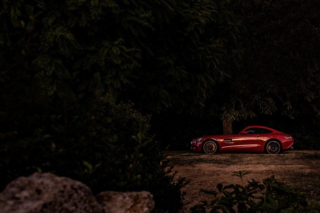 Das Biest im Garten - Der Mercedes AMG GT während unseres Road Trips #silverred2016 in Frankreich.