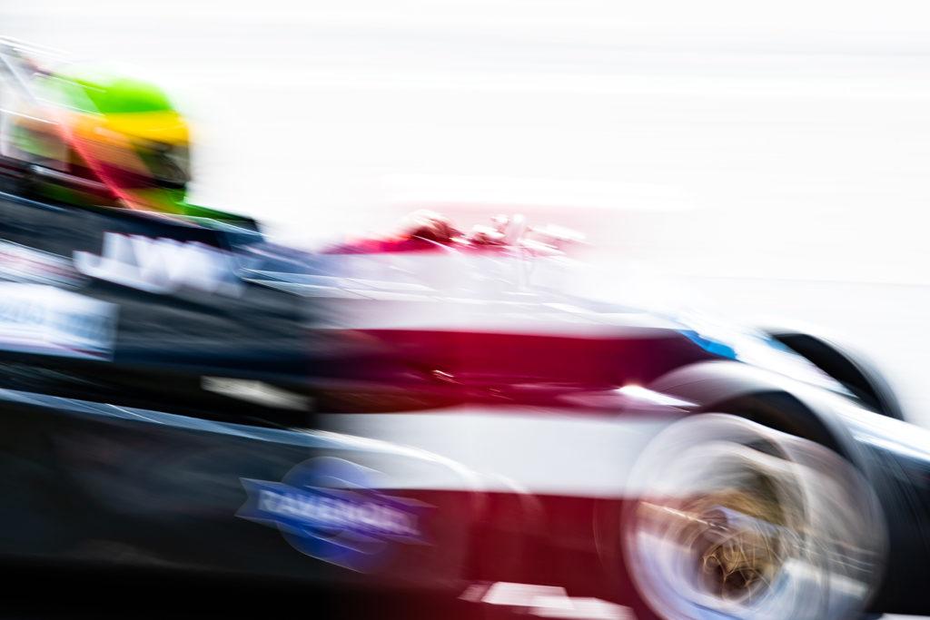 Mitgezogen - Oldtimer Grand Prix am Nürburgring 2018. Das ging etwas zu schnell um die Kurve.