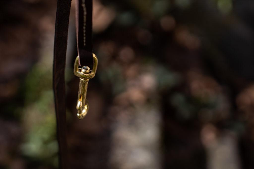 Schick angeleint - Fettleder liegt schön weich in der Hand