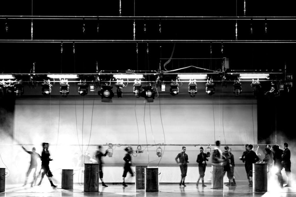 Hauptprobe 3 BY EKMAN  von Alexander Ekman im Aalto Ballett Essen, 2017