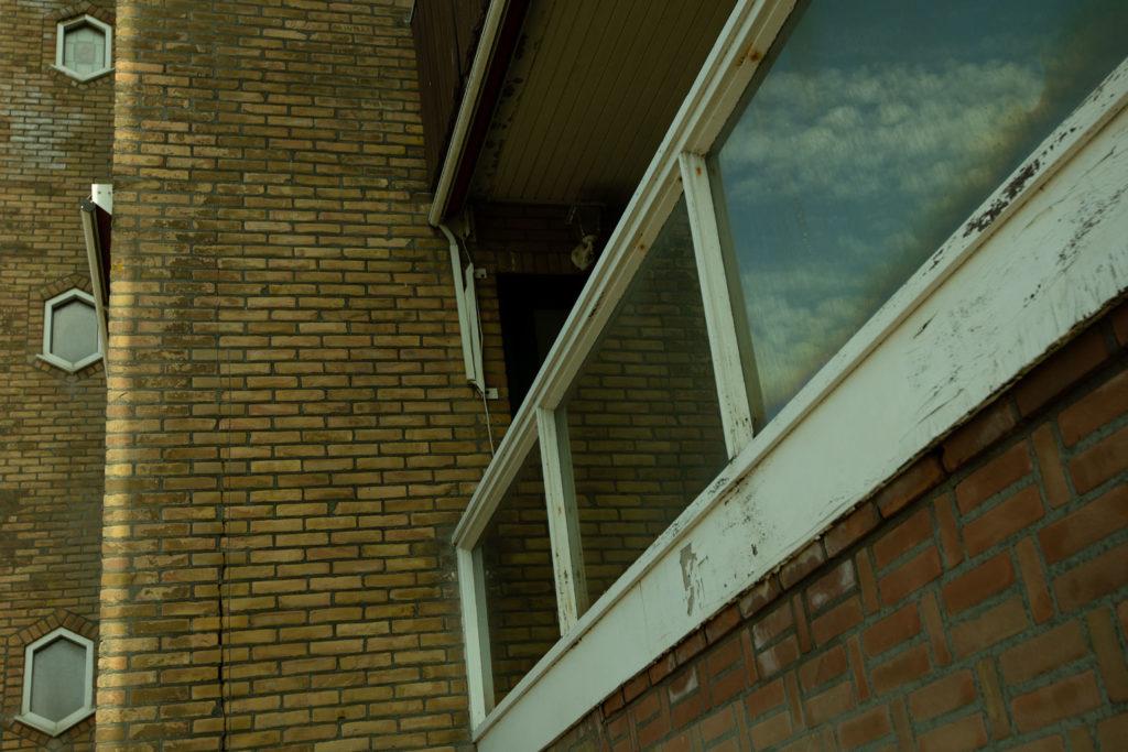 Nein, keines der Hochhäuser war auch nur ansatzweise schön anzusehen. Die Küstenlinie nahe des Zentrums von Zandvoort ist komplett versaut.