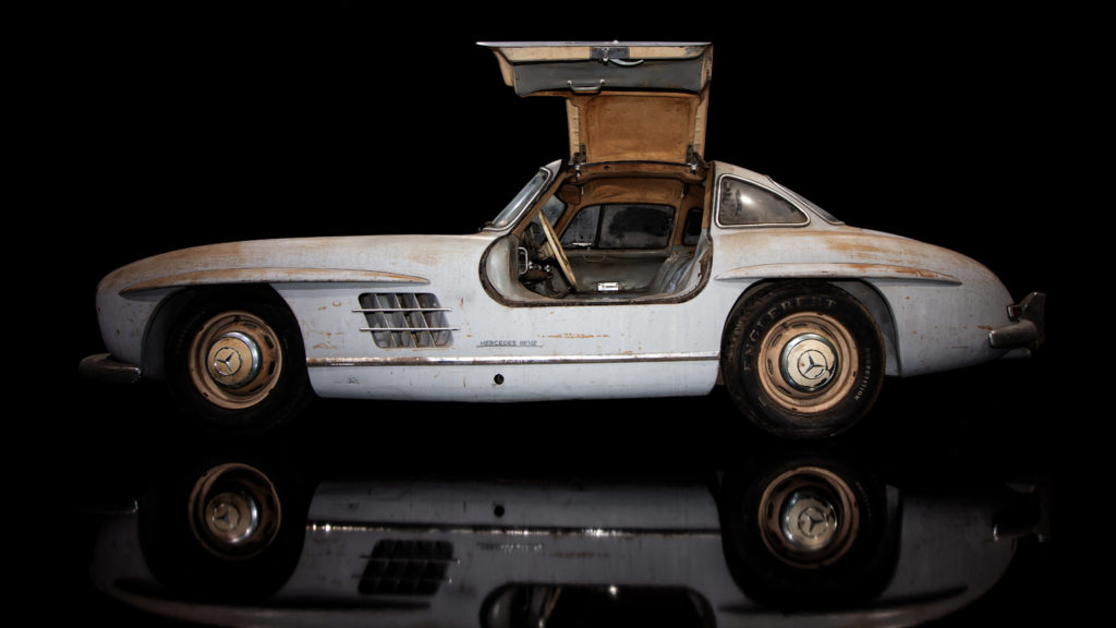 This Mercedes 300 SL Gullwing (number 43) was delivered to Maimi 1954.